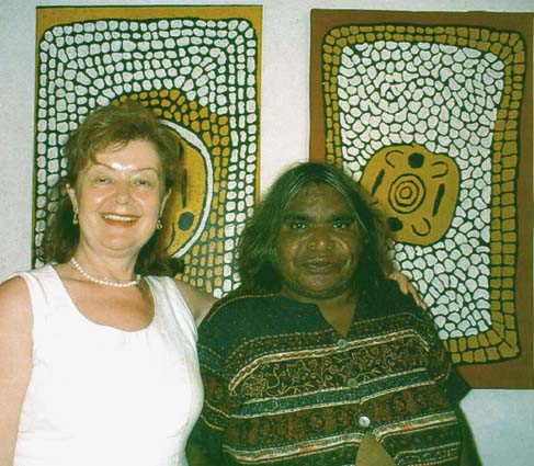 Photo: Aniela & Barbara Reid Napangardi, Alice Springs, 2002