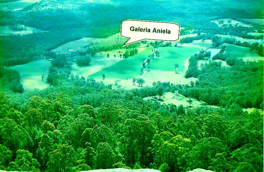 Galeria Aniela is set at the backdrop of breathtaking escarpment enjoying awesome views and many say that the property is a work of art in itself.