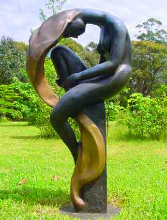 Large bronze sculpture - Ideally located, Galeria Aniela fine art gallery and Sculpture Park is set at the backdrop of Kangaroo Valley breathtaking escarpment, enjoying awesome views and many say that the property is a work of art in itself.